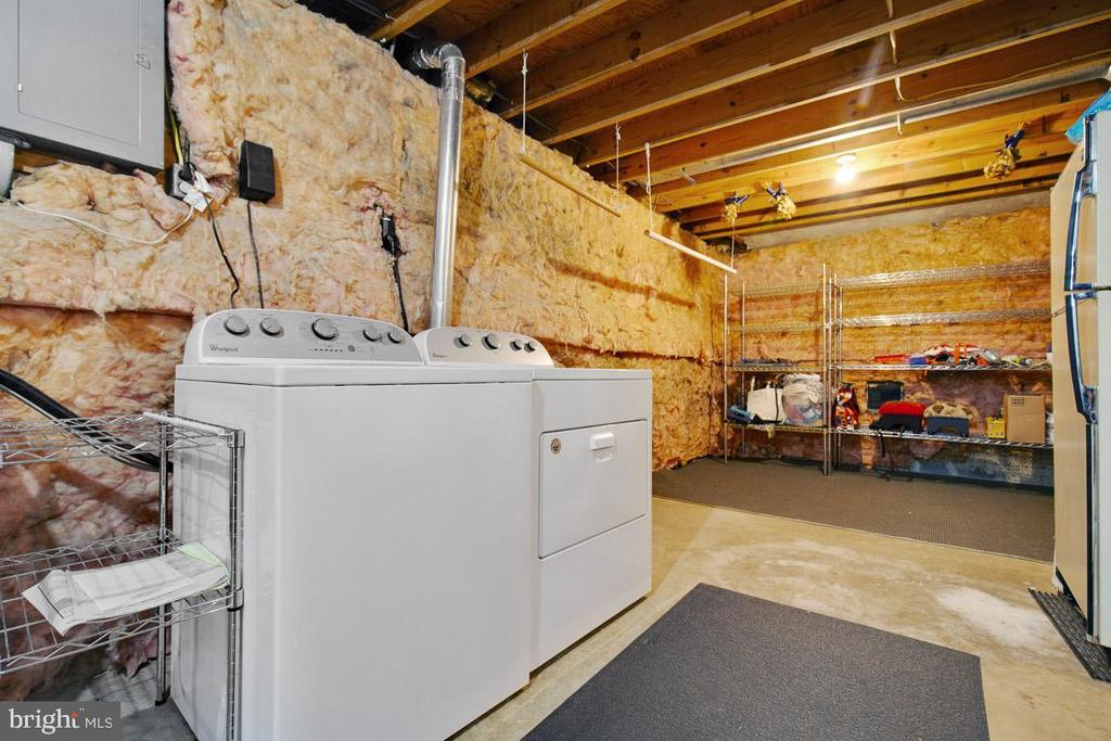 Basement storage area and laundry room - 8419 RAINBOW BRIDGE LN, SPRINGFIELD