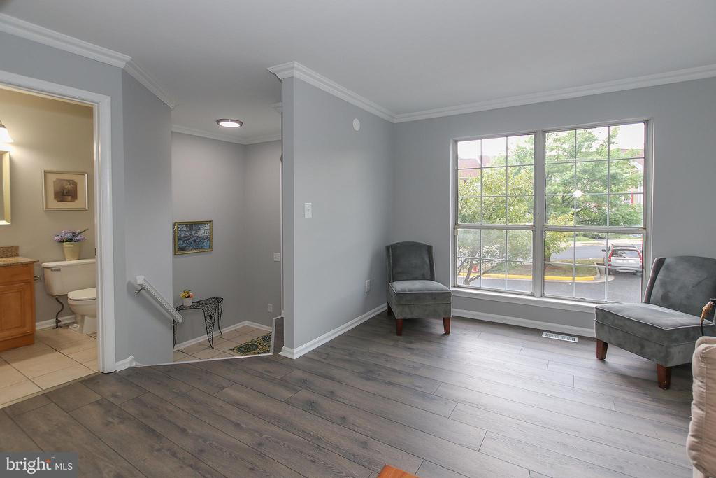Modern New Flooring in the Living Room - 21872 MAYWOOD TER, STERLING