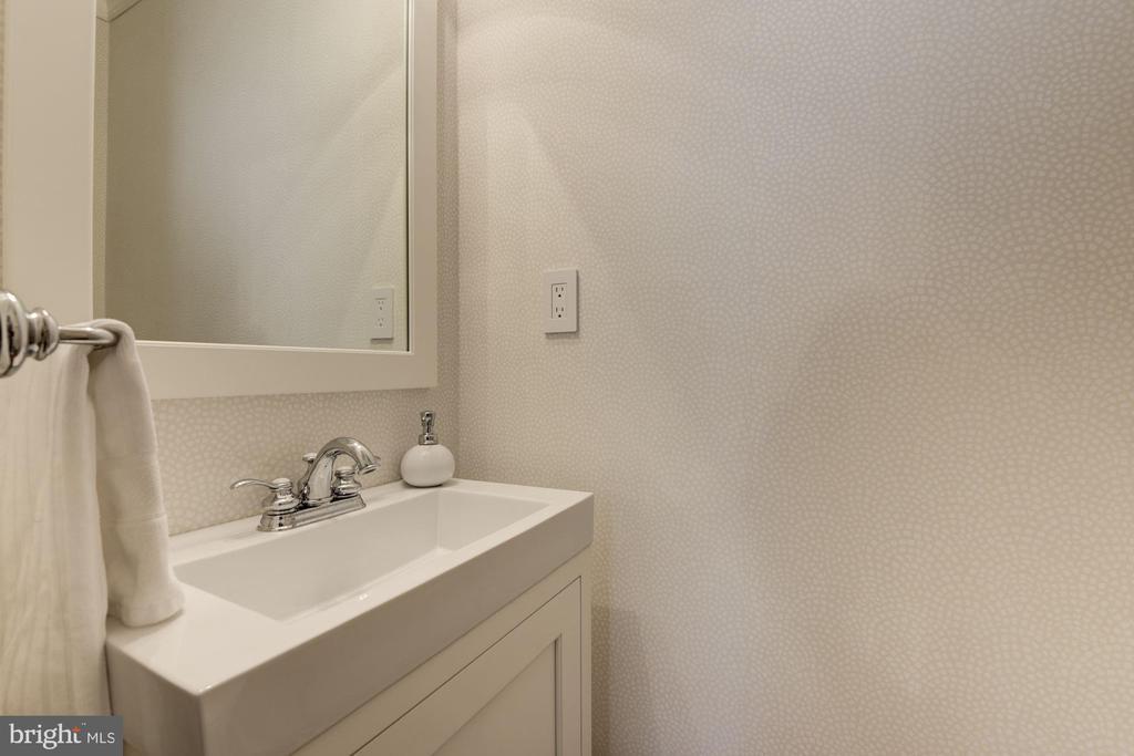 Powder room in main level foyer - 1739 N WAKEFIELD ST, ARLINGTON