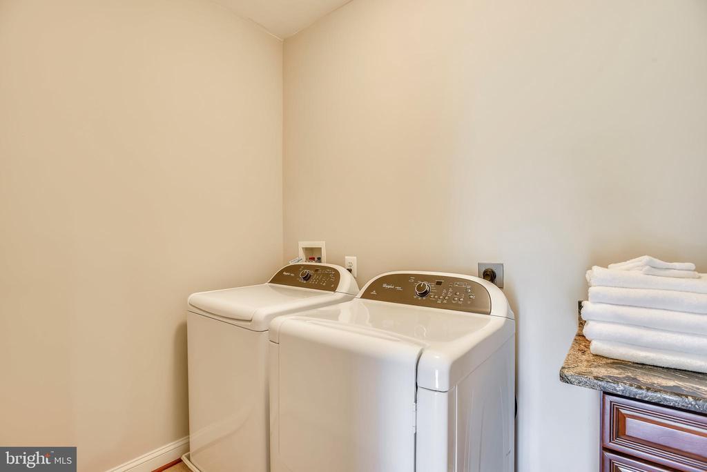 Upper Level Laundry Room - 16875 DETERMINE CT, LEESBURG