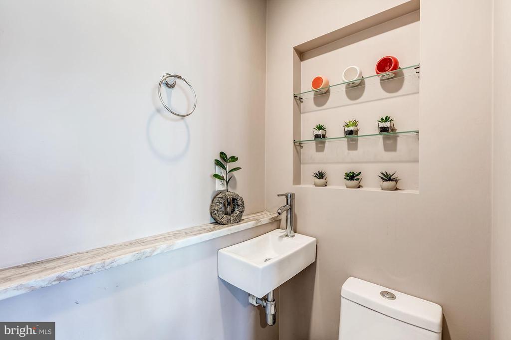 Half bath on the Main level! - 301 E MARSHALL ST, MIDDLEBURG