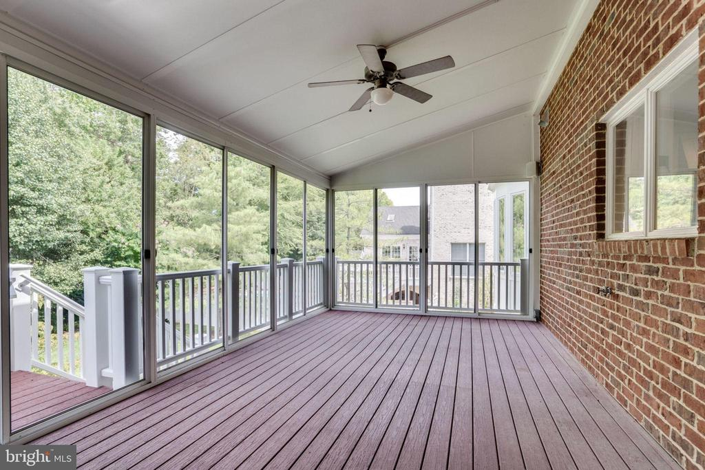 Screened porch - 9496 LYNNHALL PL, ALEXANDRIA
