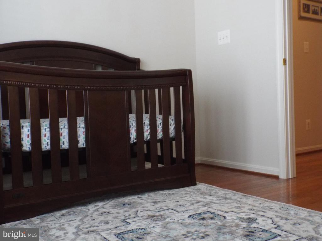 A 4th bed room or Nursery next to Master Suite - 22791 VICKERY PARK DR, BRAMBLETON