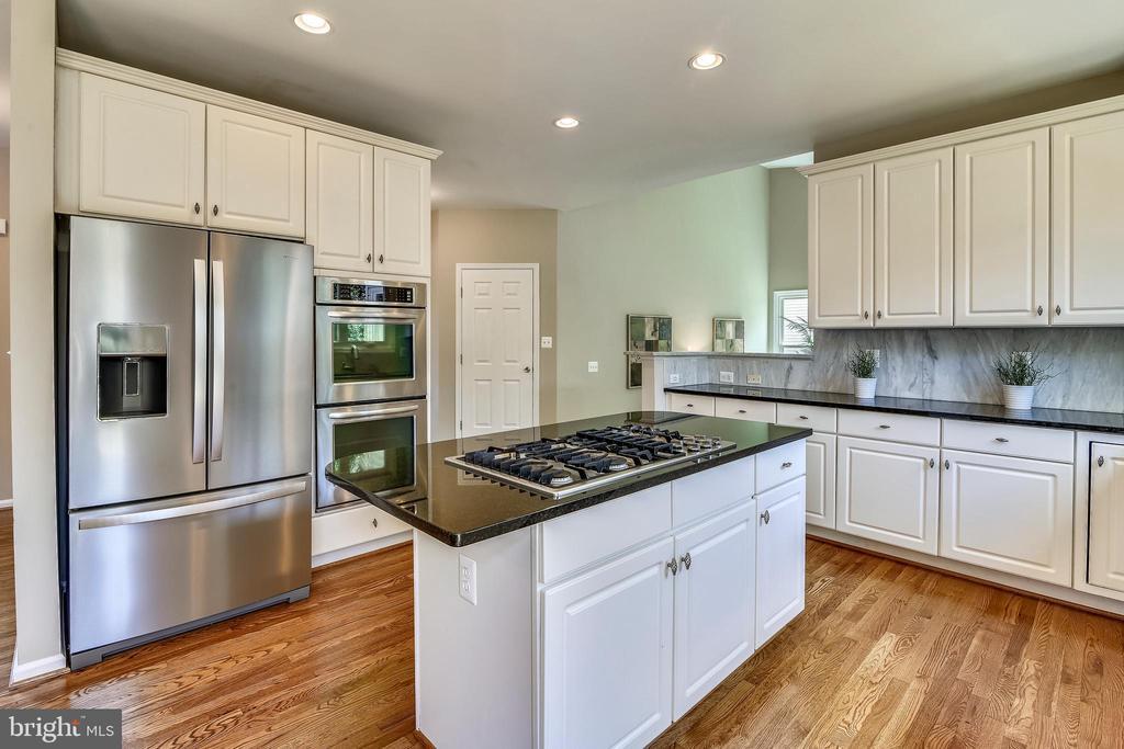 Kitchen - 5104 DOYLE LN, CENTREVILLE