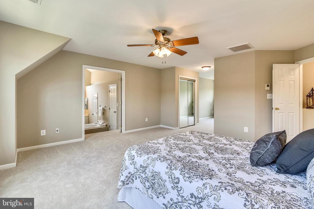 Master Bedroom - 5104 DOYLE LN, CENTREVILLE