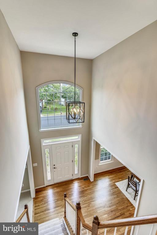 Upper-Level Hall View - 5104 DOYLE LN, CENTREVILLE