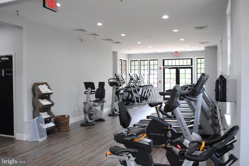 New Fitness Facility - 43535 FIRESTONE PL, LEESBURG