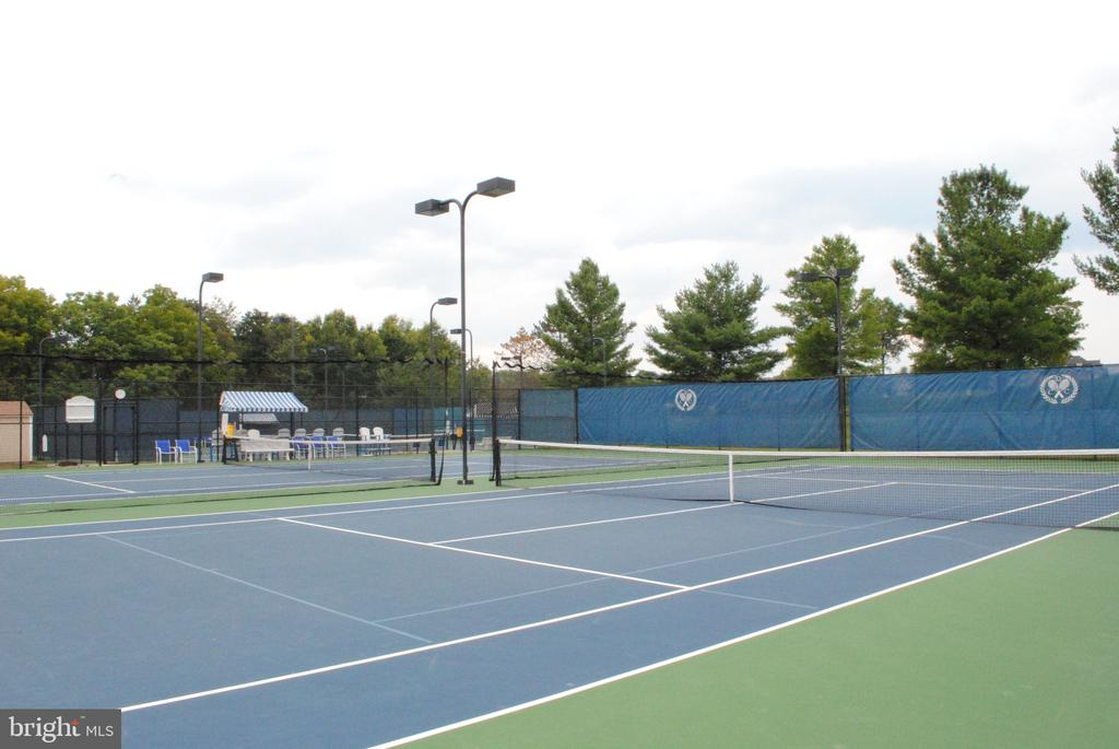 Tennis Courts with onsite Tennis pro - 43535 FIRESTONE PL, LEESBURG