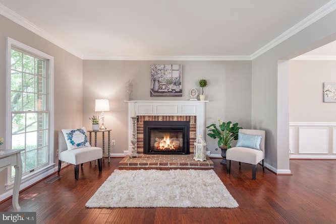 Fireplace in living room - 30 BRIDGEPORT CIR, STAFFORD