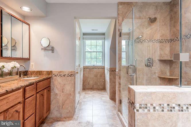 Upscale bathroom with tile and granite - 30 BRIDGEPORT CIR, STAFFORD