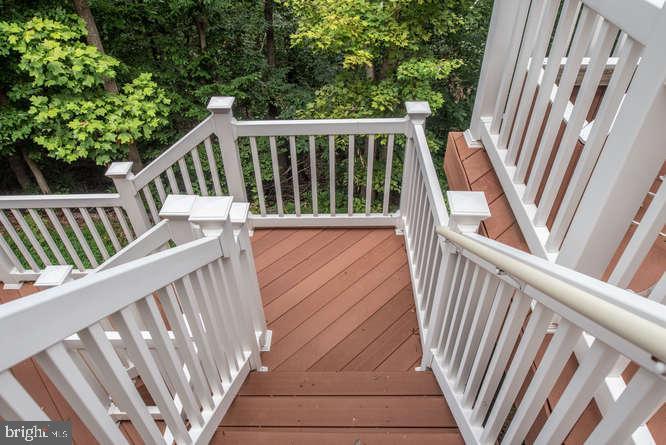 Steps to lower deck - 30 BRIDGEPORT CIR, STAFFORD