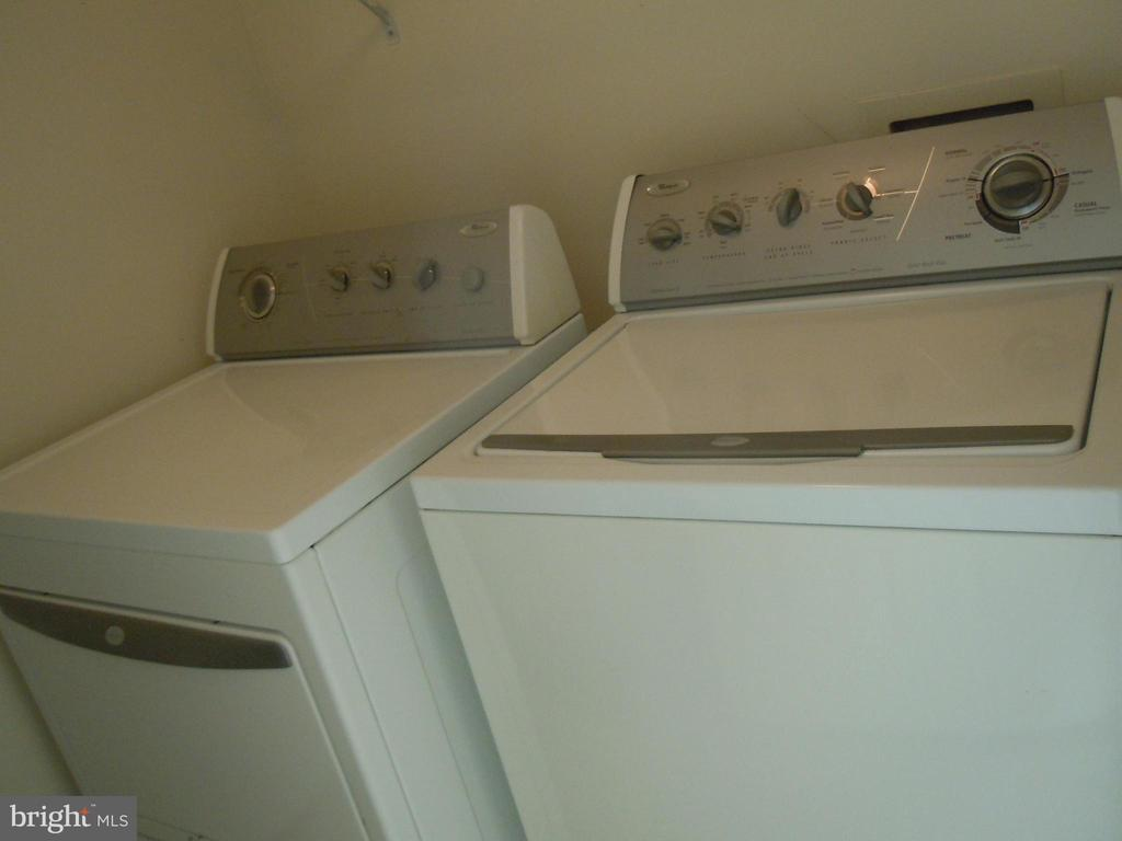 Upstairs washer and dryer convenient to bedrooms. - 1107 NE HUNTMASTER TER NE #301, LEESBURG