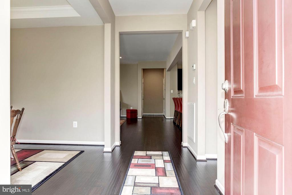 FOYER - WARM & INVITING! - 8717 LIBEAU DR, MANASSAS