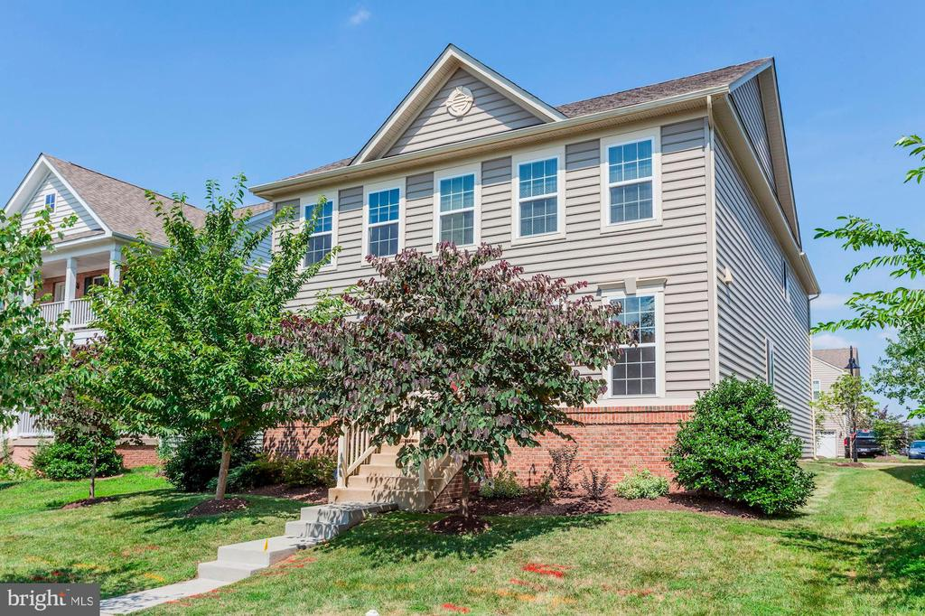 WELCOME HOME! - 8717 LIBEAU DR, MANASSAS