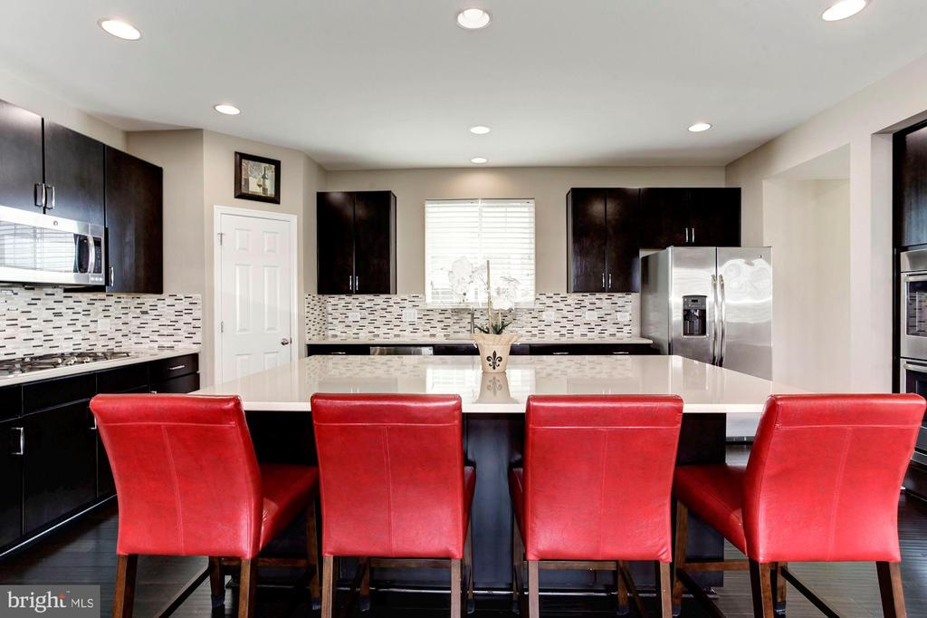 KITCHEN - A CHEF'S DREAM! - 8717 LIBEAU DR, MANASSAS