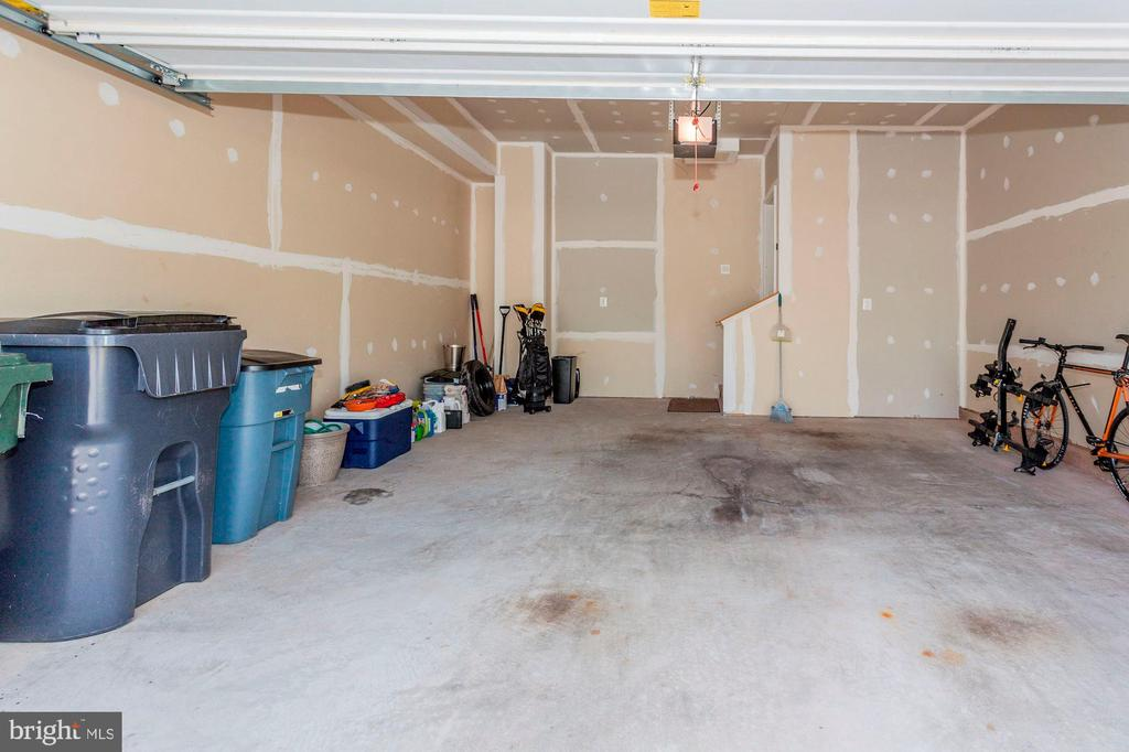 TWO CAR GARAGE + OVERFLOW ROOM FOR ADDIT'L STORAGE - 8717 LIBEAU DR, MANASSAS