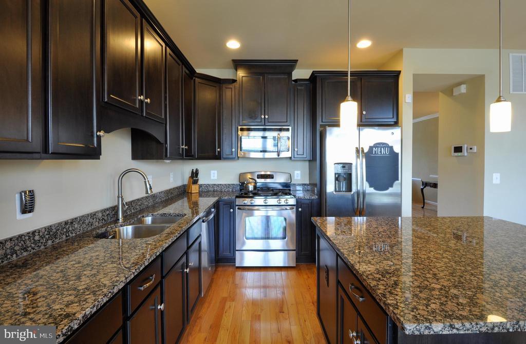 Updated Kitchen - Granite, Recess Lights - 41 NIDAY DR, STAFFORD