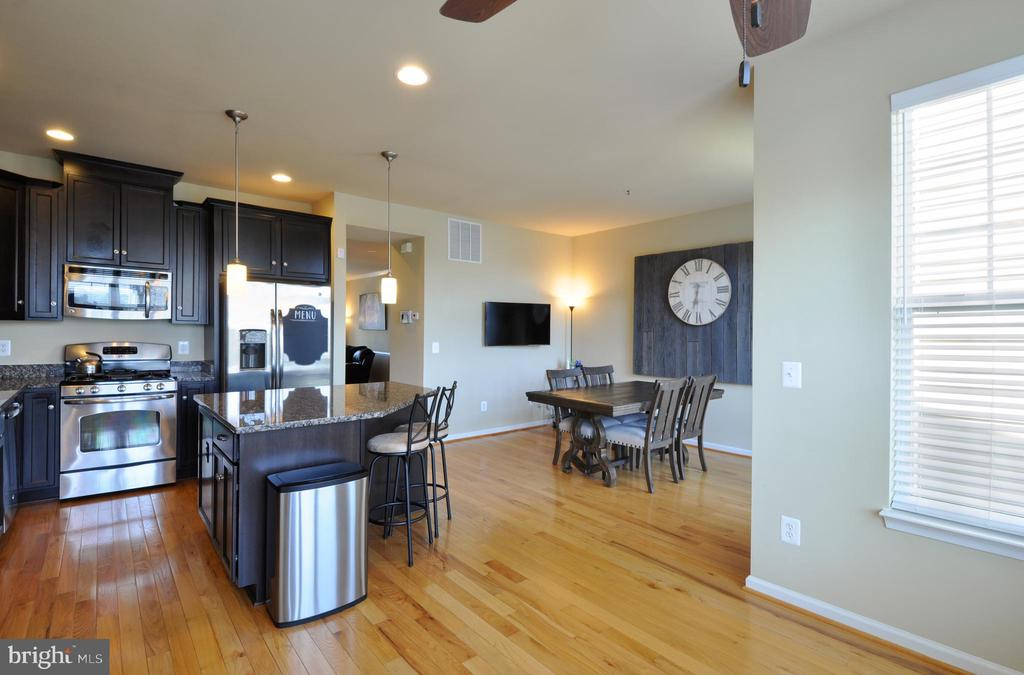 Eat-In Kitchen - Plenty of Room for Table & More - 41 NIDAY DR, STAFFORD