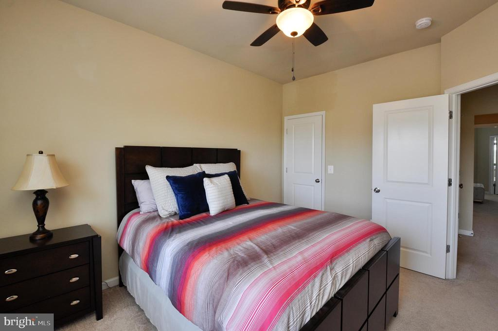 Bedroom with Walk-In Closet and Fan - 41 NIDAY DR, STAFFORD