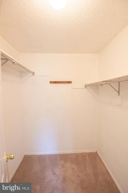 Walk-in closet - 20958 TIMBER RIDGE TER #104, ASHBURN