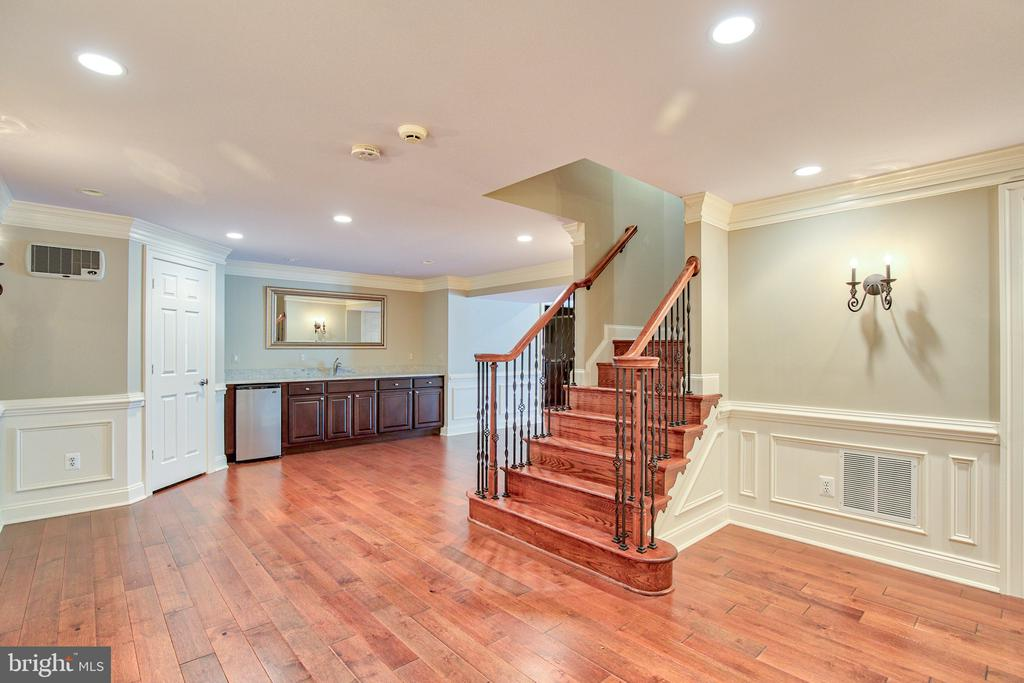 Lower level with beautiful hardwoods - 43535 FIRESTONE PL, LEESBURG