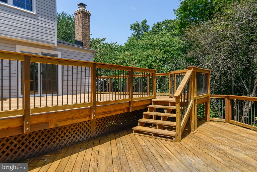 Two level deck - 909 CANTLE LN, GREAT FALLS