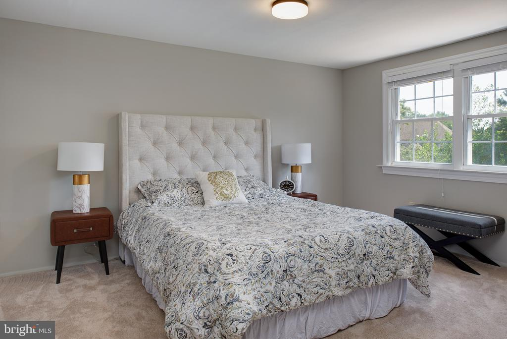 Master bedroom - 909 CANTLE LN, GREAT FALLS