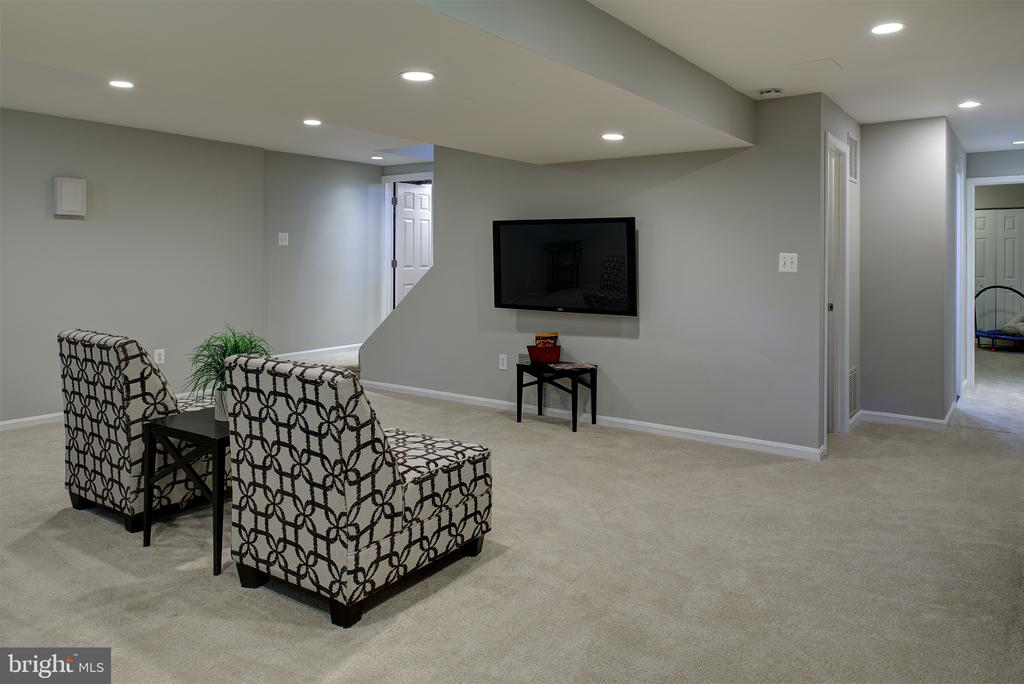 So much space! - 909 CANTLE LN, GREAT FALLS