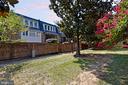 Exterior Courtyard - 611 4TH PL SW, WASHINGTON