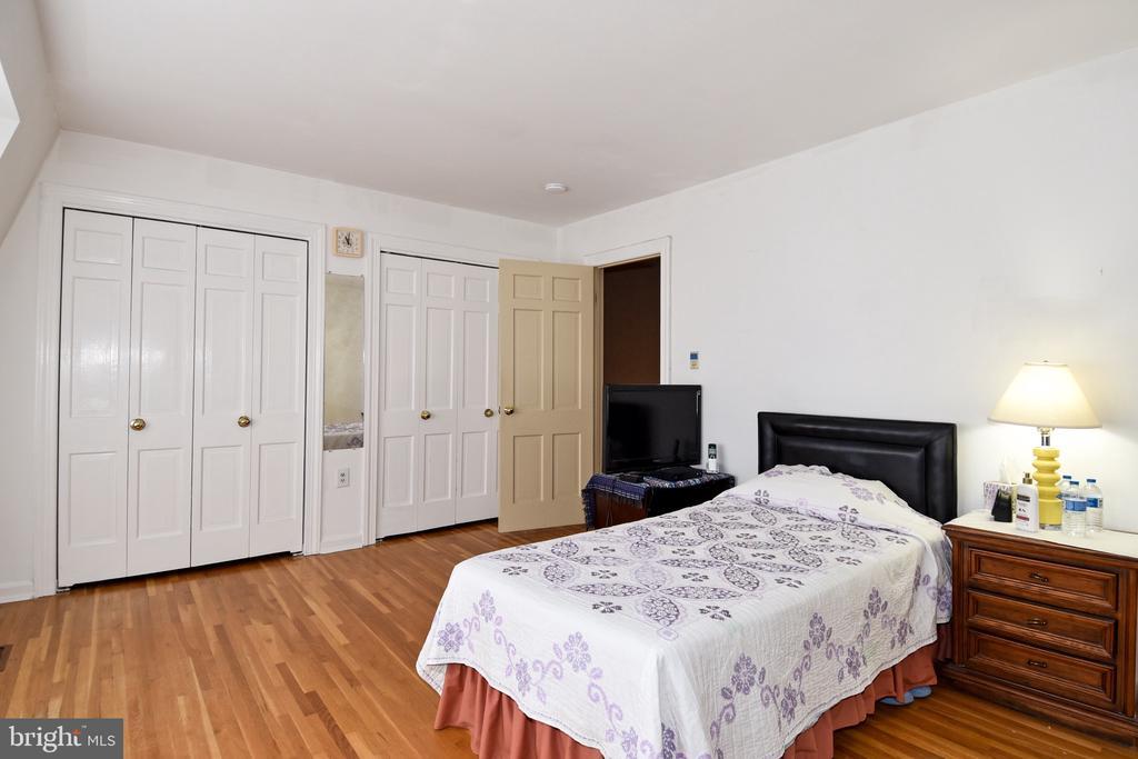 Master Bedroom - 611 4TH PL SW, WASHINGTON