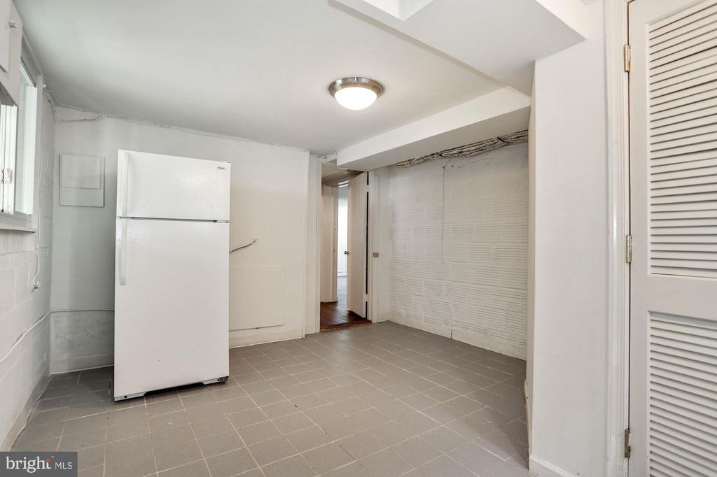 Lower Level~Bonus Room - 3211 19TH ST N, ARLINGTON
