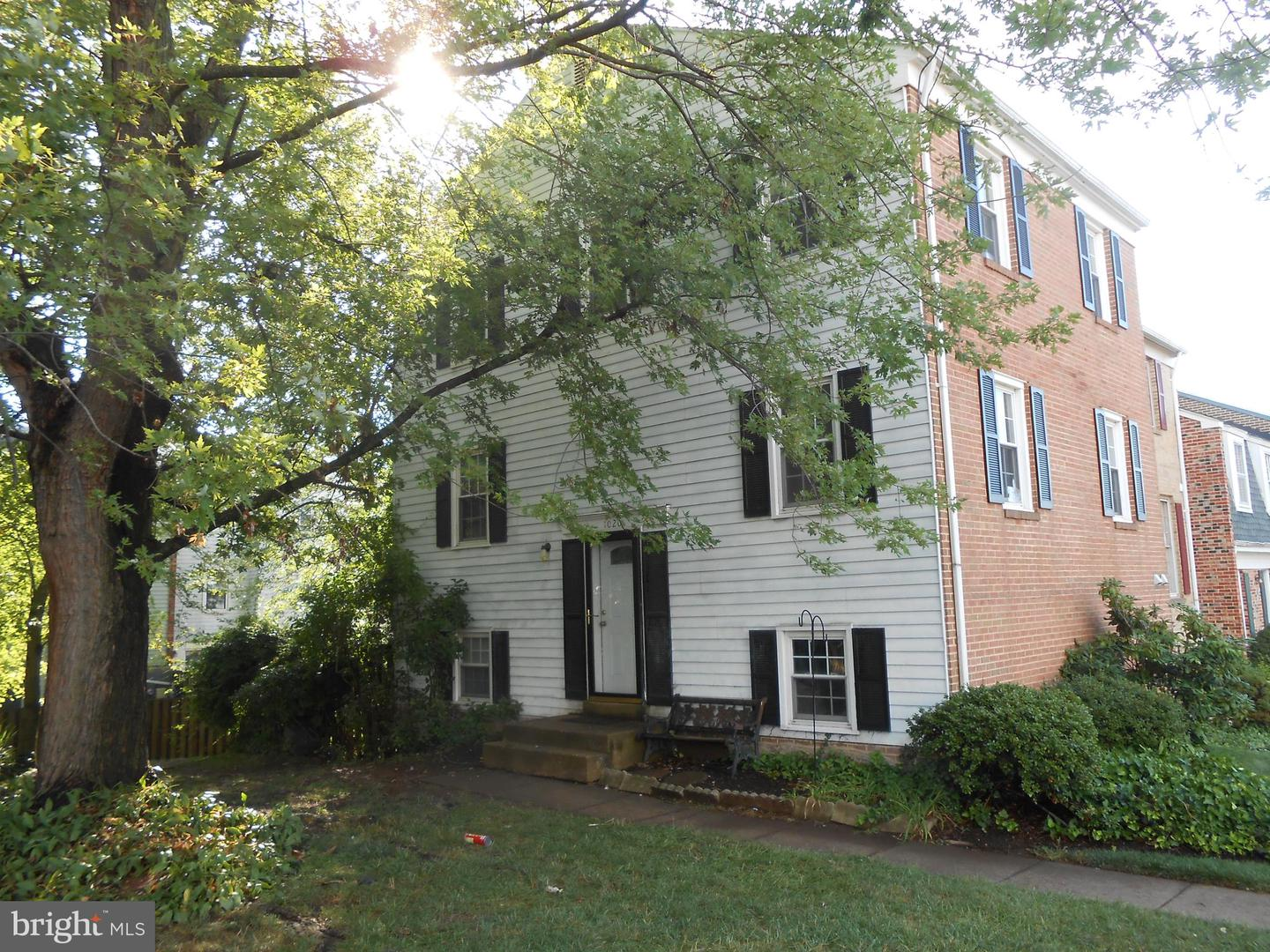Photo of 1020 TEMPLE CT, STERLING, VA 20164