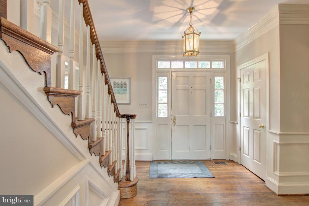Foyer has warm hardwood floors - 12208 FAIRFAX STATION RD, FAIRFAX STATION