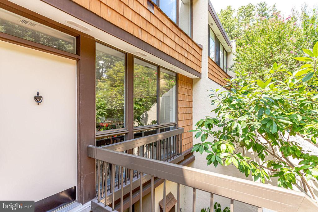 Front of home - 2114 S QUINCY ST #2, ARLINGTON