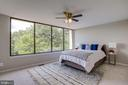 Large Master Suite with Panoramic Windows - 2114 S QUINCY ST #2, ARLINGTON