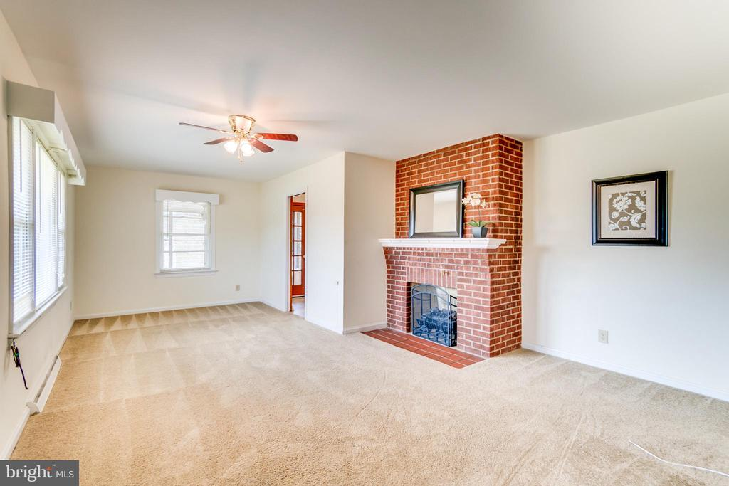 Spacious Family Room with Wood Burning Fireplace - 35 LEELAND RD, FREDERICKSBURG