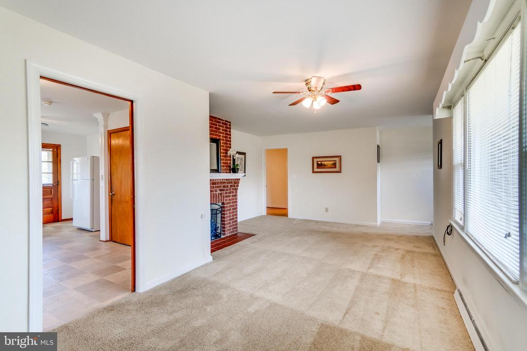 Family Room is located of the Kitchen - 35 LEELAND RD, FREDERICKSBURG
