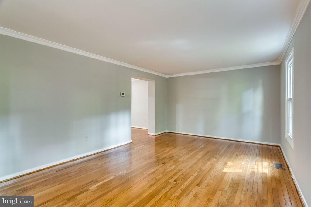 Living Room - 9101 HUBER CT, BURKE
