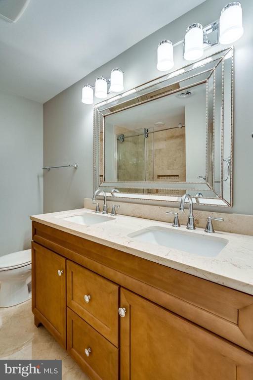 Master Bathroom - 9101 HUBER CT, BURKE