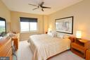 Master Bedroom with Custom Blinds and Ceiling Fan - 19355 CYPRESS RIDGE TER #920, LEESBURG