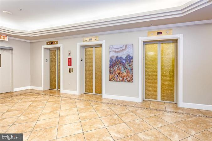 Multiple Elevators - 19355 CYPRESS RIDGE TER #920, LEESBURG