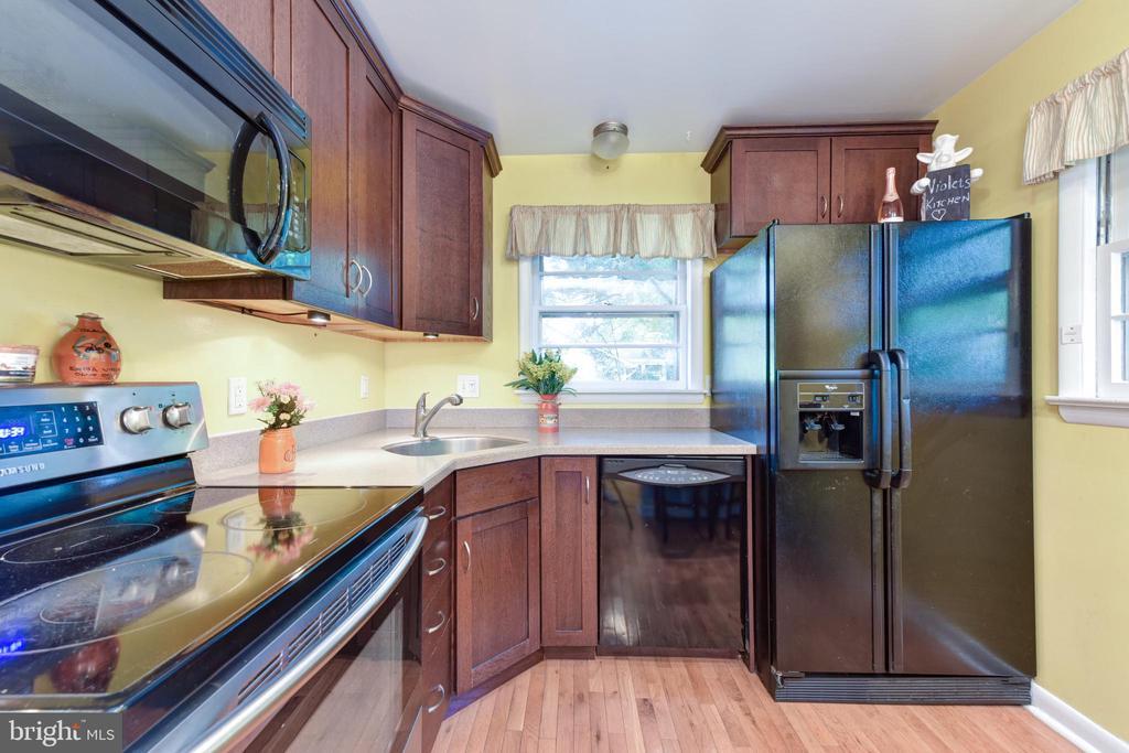 Kitchen - 8541 MOUNT ZEPHYR DR, ALEXANDRIA