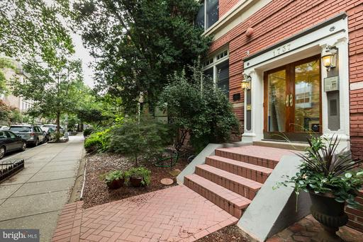 1737 NW P ST NW #401