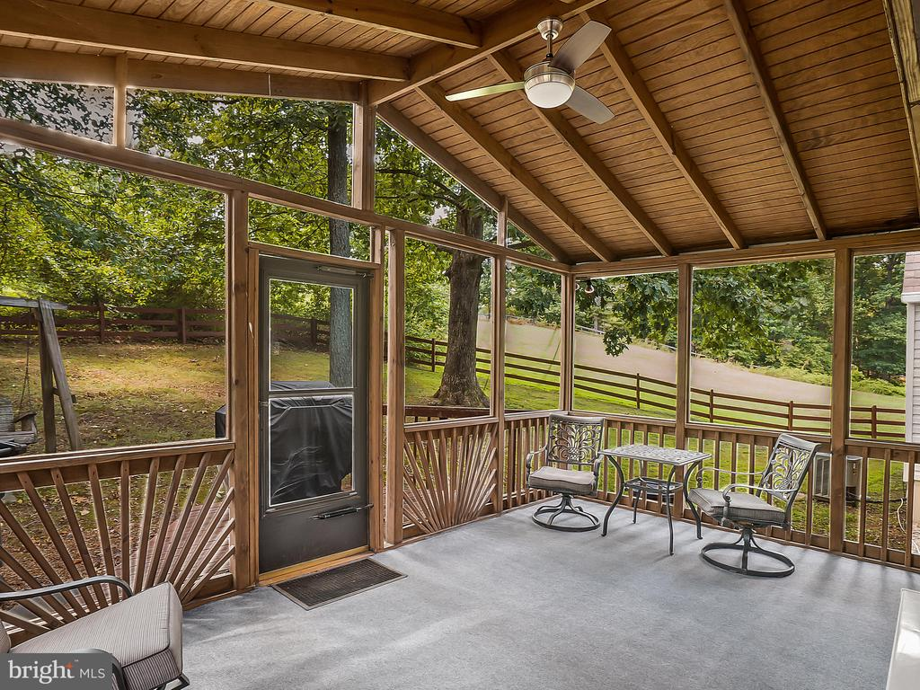 Fantastic Screened Porch! - 13004 COLBY DR, WOODBRIDGE