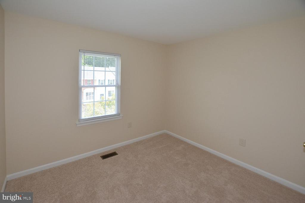 Second Bedroom or Office w/new carpet. - 15704 LANSDALE PL, DUMFRIES