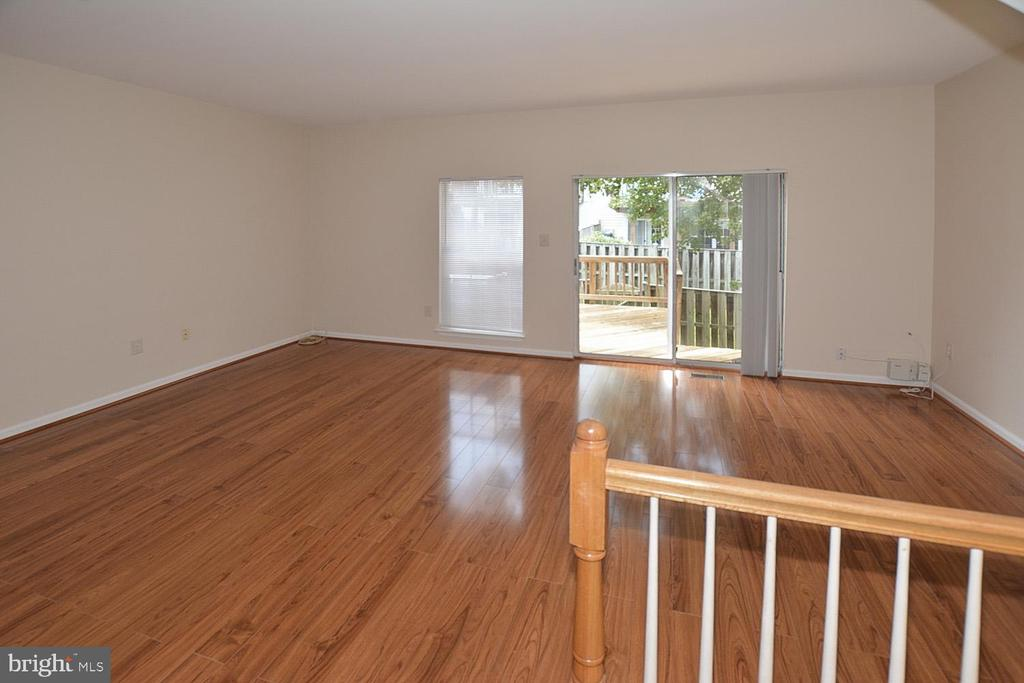 Living Room/Dining Room w/new engineered wd floor. - 15704 LANSDALE PL, DUMFRIES