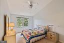 Master bedroom with vaulted ceilings - 7817 REBEL WALK DR, MANASSAS