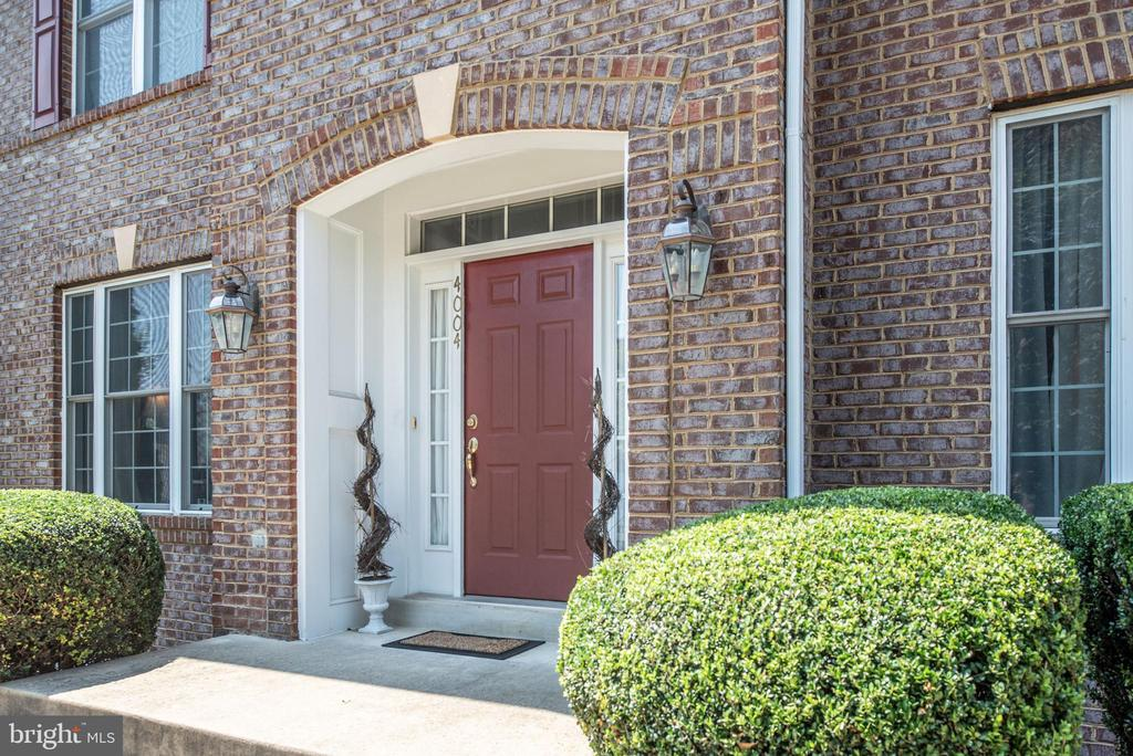 Well Maintained! - 4004 SAPLING WAY, TRIANGLE