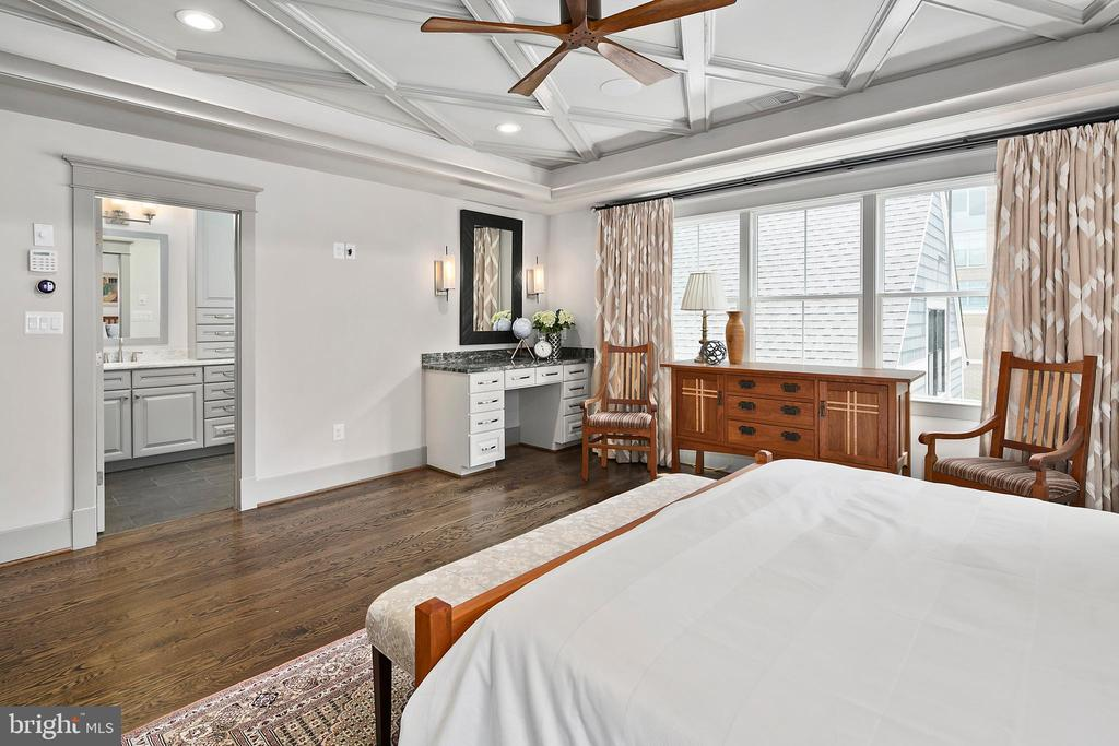 Look at that ceiling and wooden ceiling fan - 2408 16TH ST N, ARLINGTON