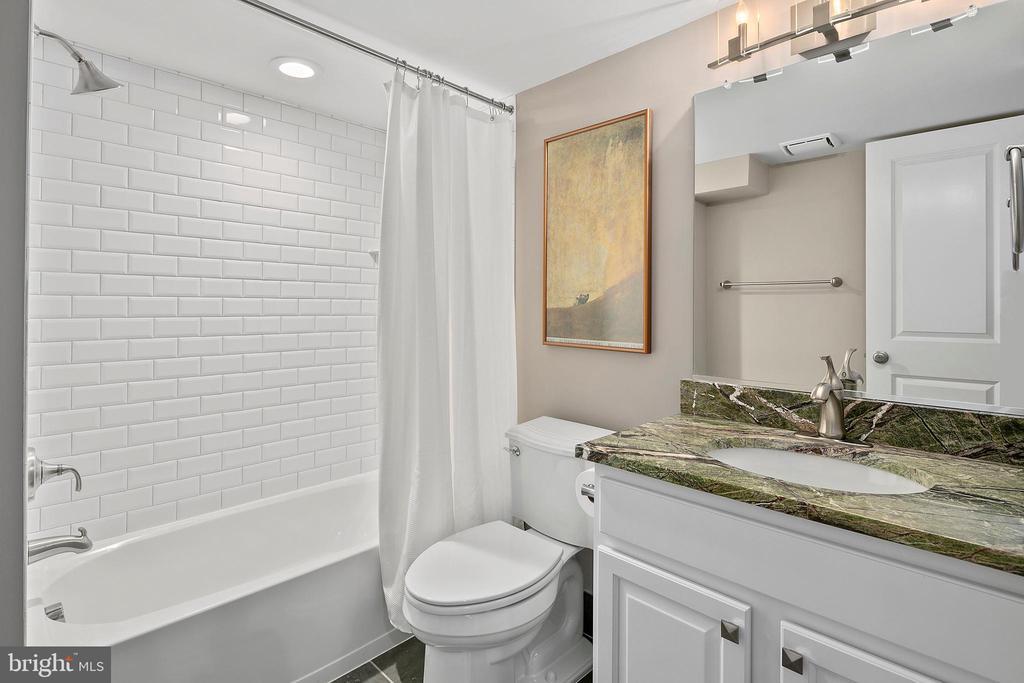 Full bath on the lower level - 2408 16TH ST N, ARLINGTON